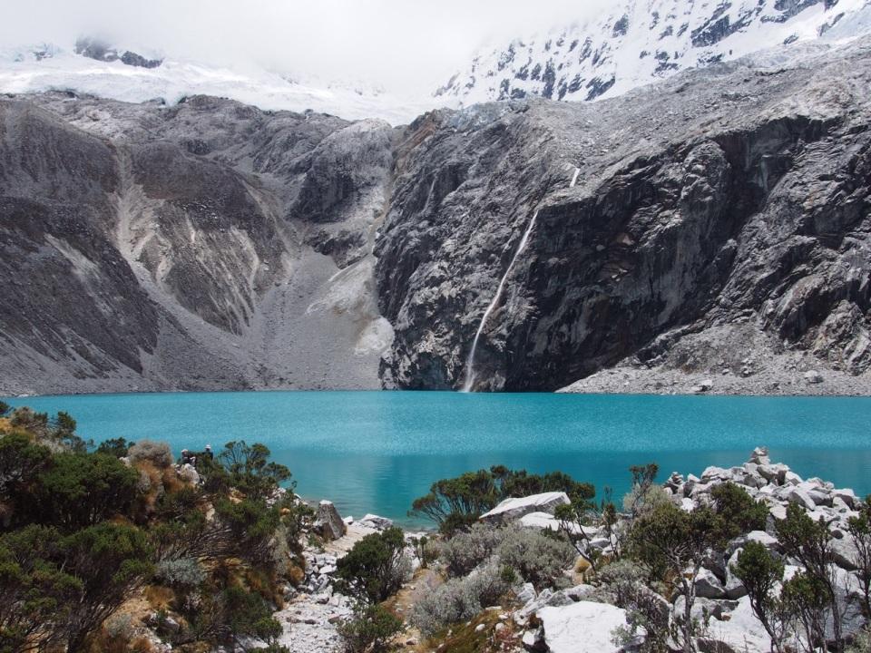 The turquoise lake of Laguna 69 in Huascarán National Park