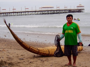 Traditional cacallito de totora fisherman, Huanchaco